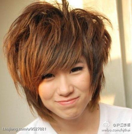 pong的女友kaew是泰国女子组合ffk的成员之一